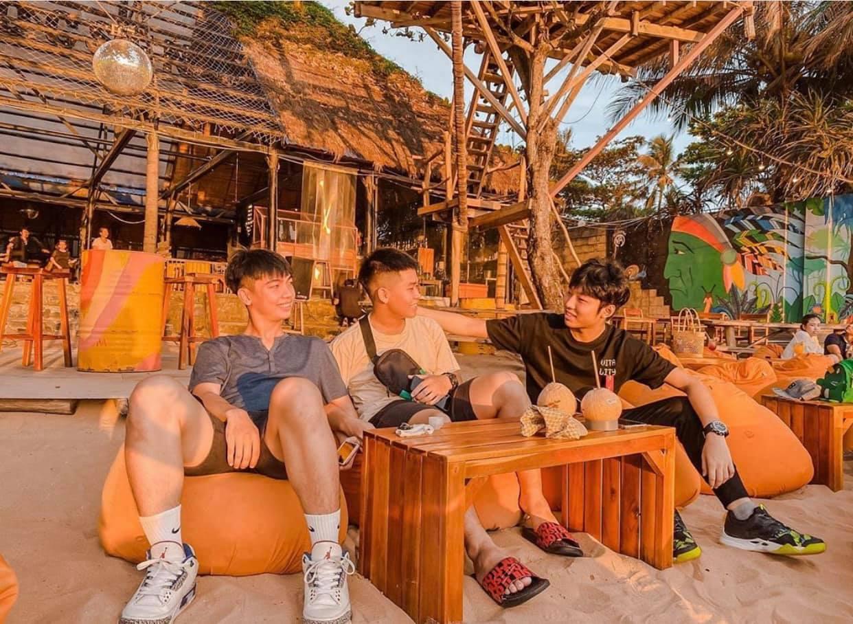 Ocsen Beach Bar & Club